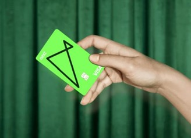 The Next card has the Visa flag.