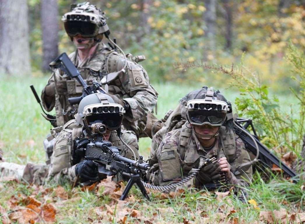 """Exército dos EUA testa óculos que """"enxerga"""" através das paredes"""