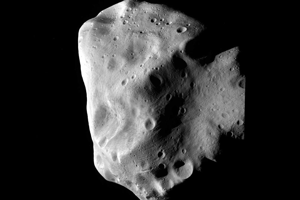 Maior asteroide de 2021 passará pela Terra no final do mês