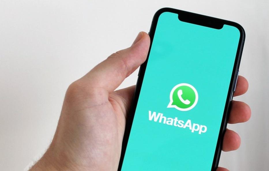 Golpe no WhatsApp usa falsa pesquisa do SUS para clonar conta
