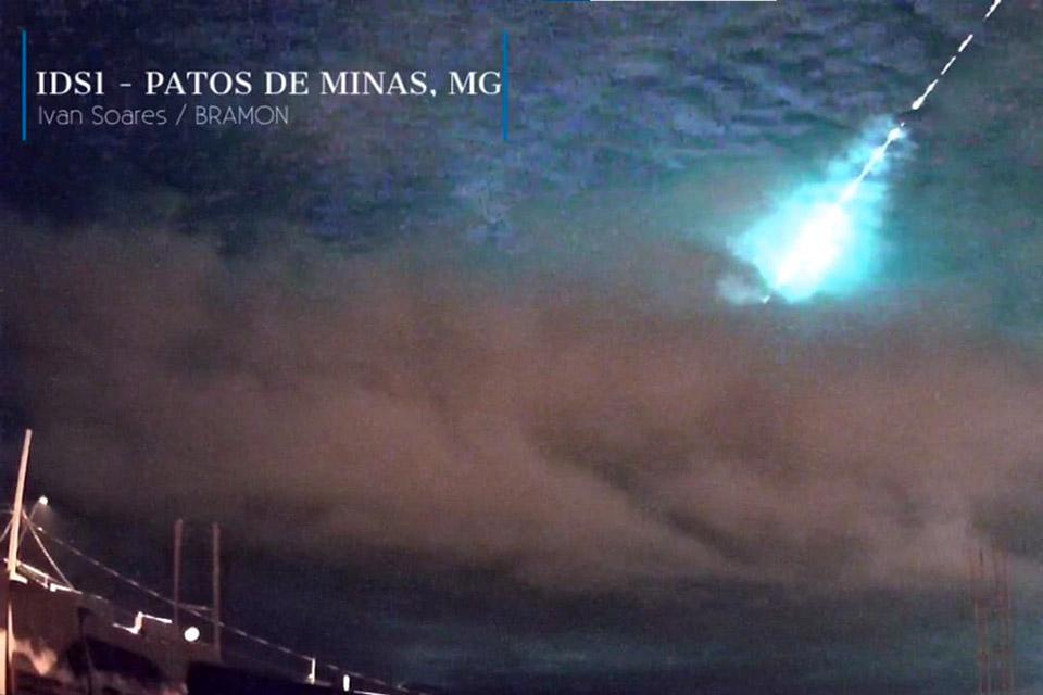 Meteoro ilumina o céu de Minas Gerais; veja imagens
