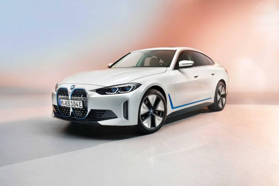 BMW revela i4, sedã elétrico com autonomia de até 590 km; confira