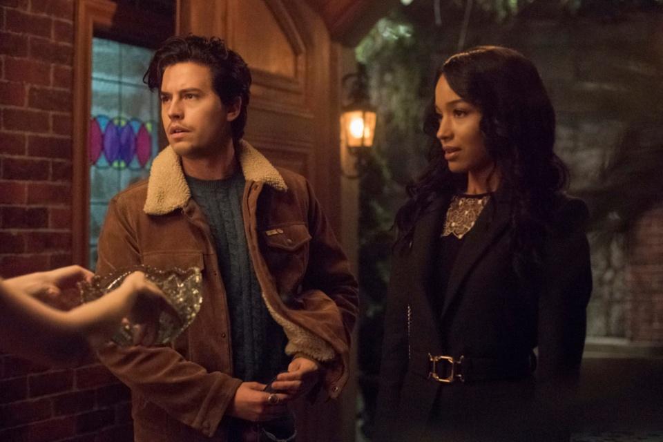 Riverdale 5x8: Cheryl organiza festa para voltar com Toni (recap)