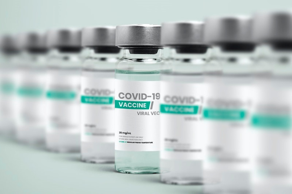 Governo compra 138 milhões de vacinas da Pfizer e da Johnson