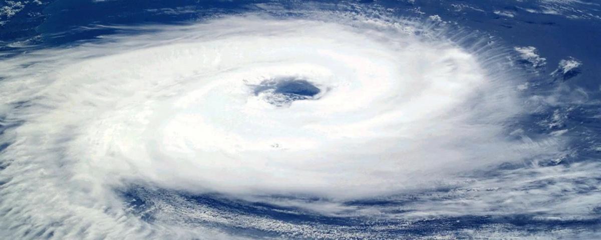 Imagem de: Furacão pode atingir litoral Sul do Brasil neste sábado (03)