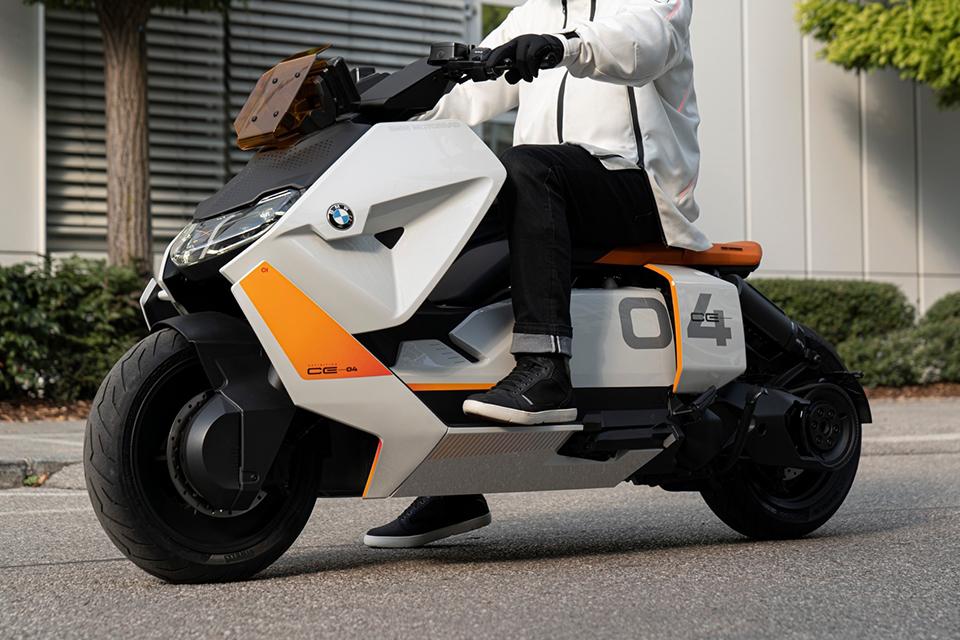 Futurista scooter elétrica da BMW será fabricada em breve