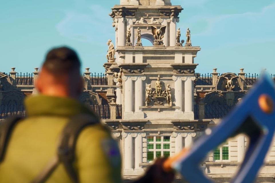 Jogador reconstrói mansão de Lara Croft em Fortnite