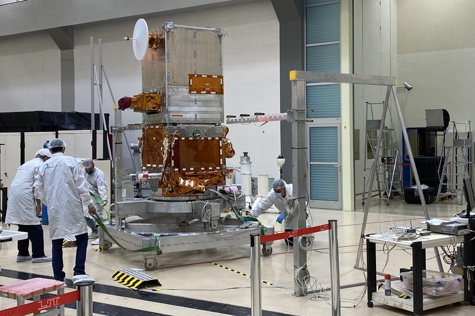 Amazônia 1: conheça o software que matém o satélite brasileiro no espaço