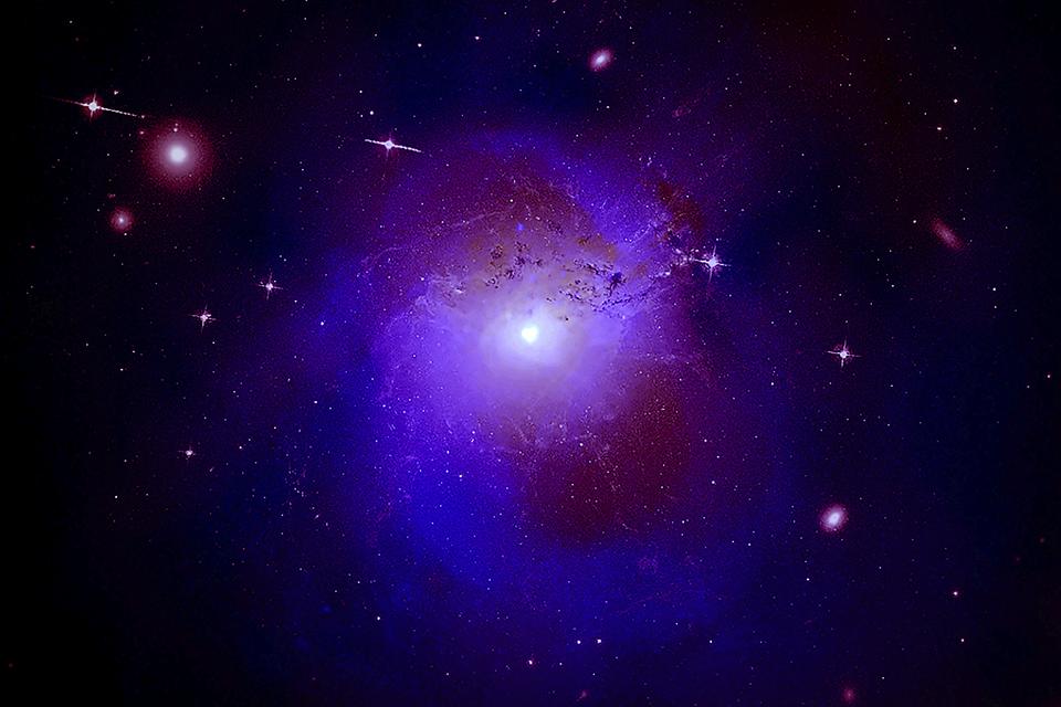 Colisão de matéria escura pode gerar brilho na Via Láctea