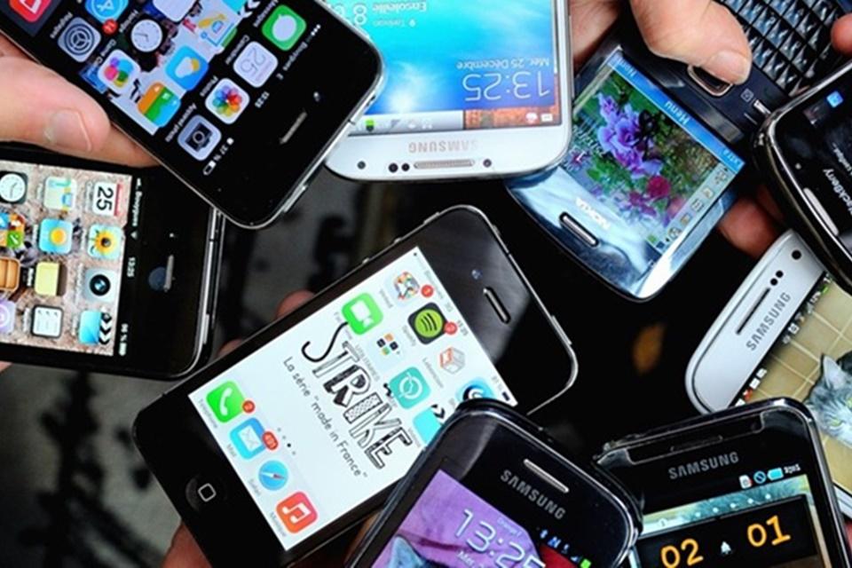 Vendas de smartphones devem crescer 12% em 2021