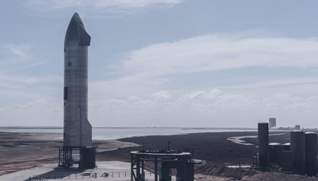 SpaceX planeja torre que 'captura' foguete após um lançamento