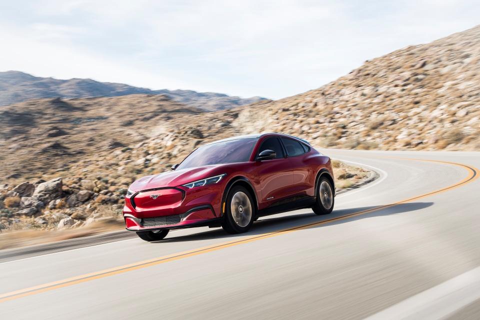 Bug de software deixa carro elétrico da Ford 'congelado'