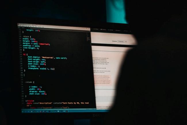 Programas específicos são usados na coleta automática de informações públicas.
