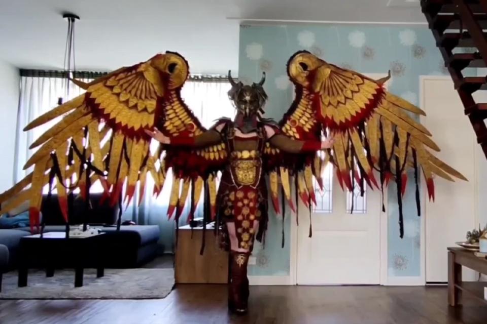 God of War: fã do jogo faz cosplay incrível da Valquíria Geirdriful