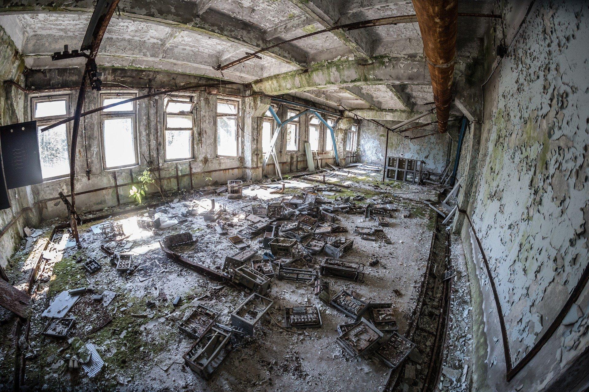 Edifício abandonado em Pripyat. Moradores da região foram afetados pela radiação e muitos desenvolveram câncer de tireoide.