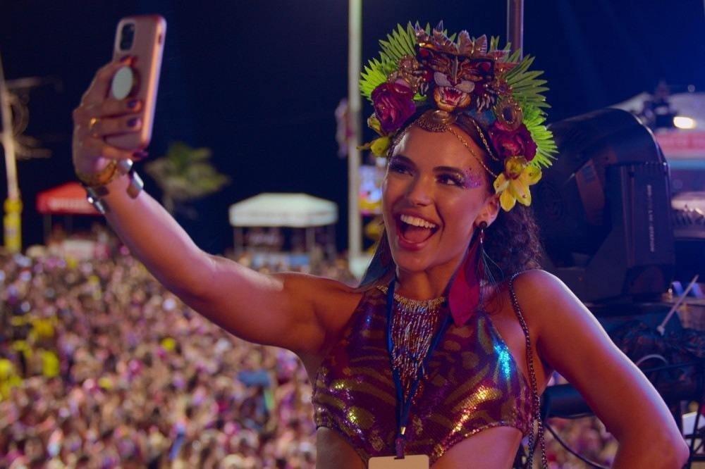 Carnaval: filme de comédia da Netflix sobre amizade ganha trailer