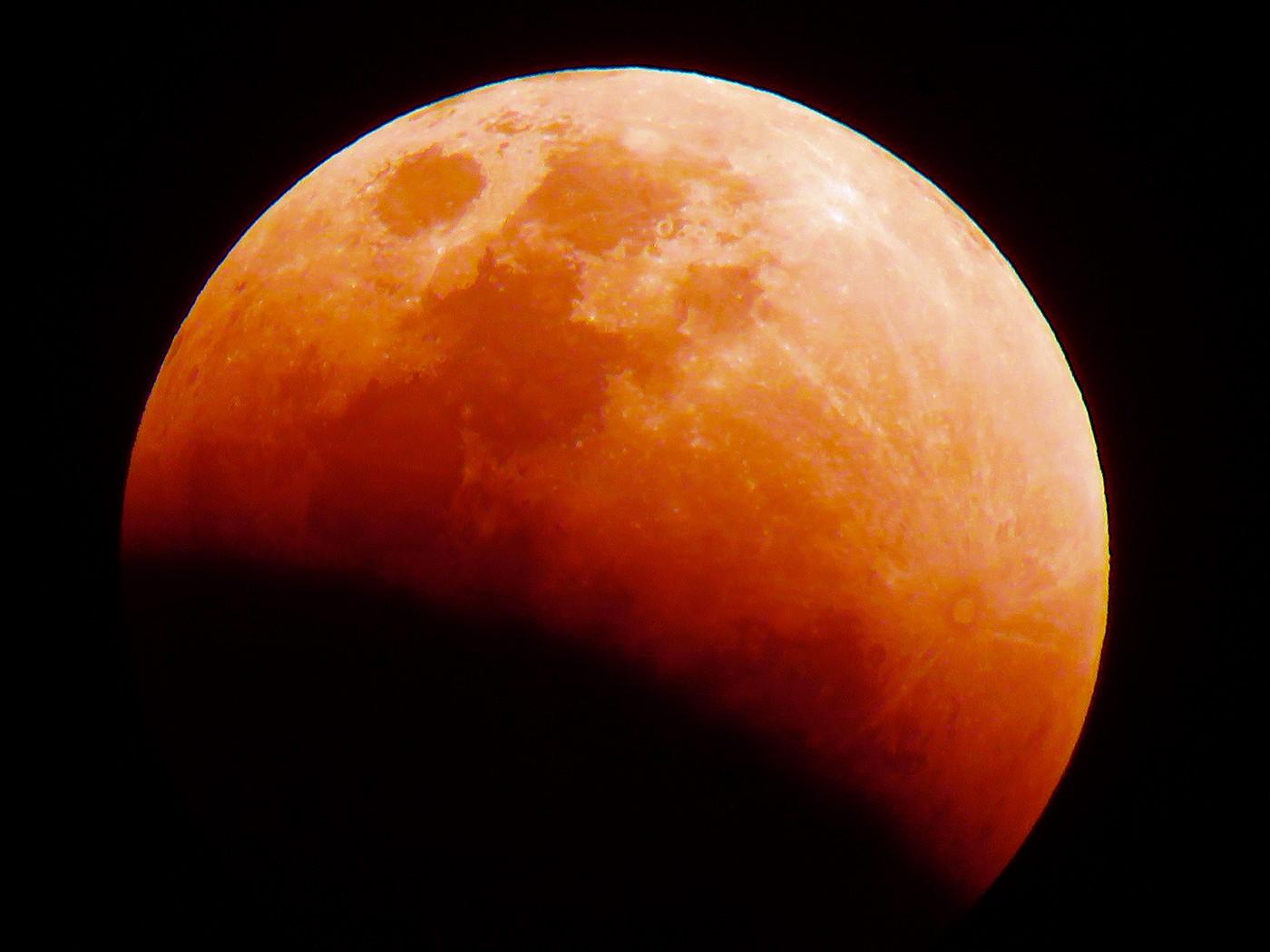 'Superlua de sangue' ficará visível no fim de maio; entenda o fenômeno