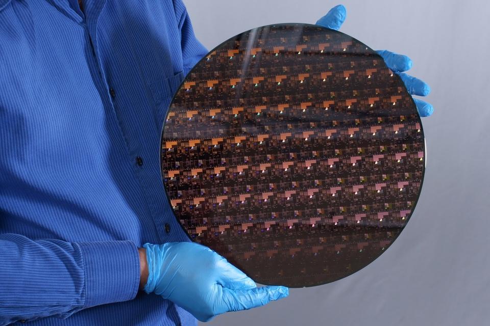 IBM anuncia chip que pode quadruplicar a duração das baterias
