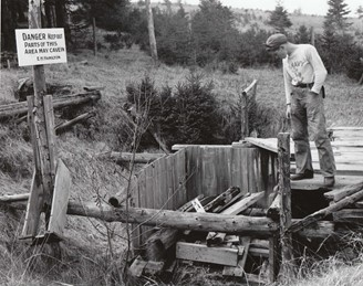 Photo of the well taken in 1947.
