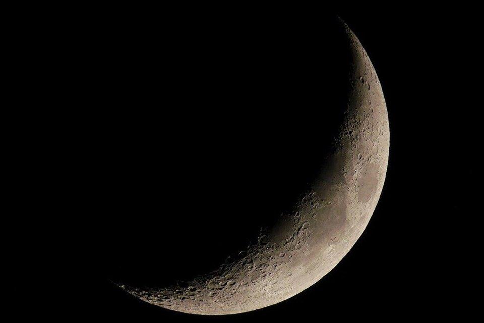 NASA pretende instalar radiotelescópio no lado escuro da lua.