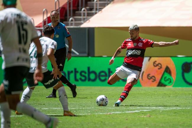 Flamengo x Palmeiras é um dos destaques da rodada.