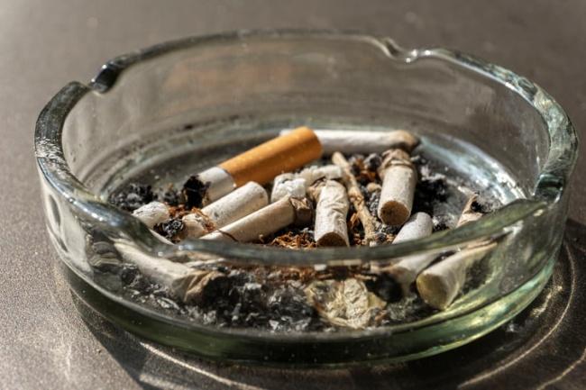 Fumantes devem ter cuidado redobrado durante a pandemia