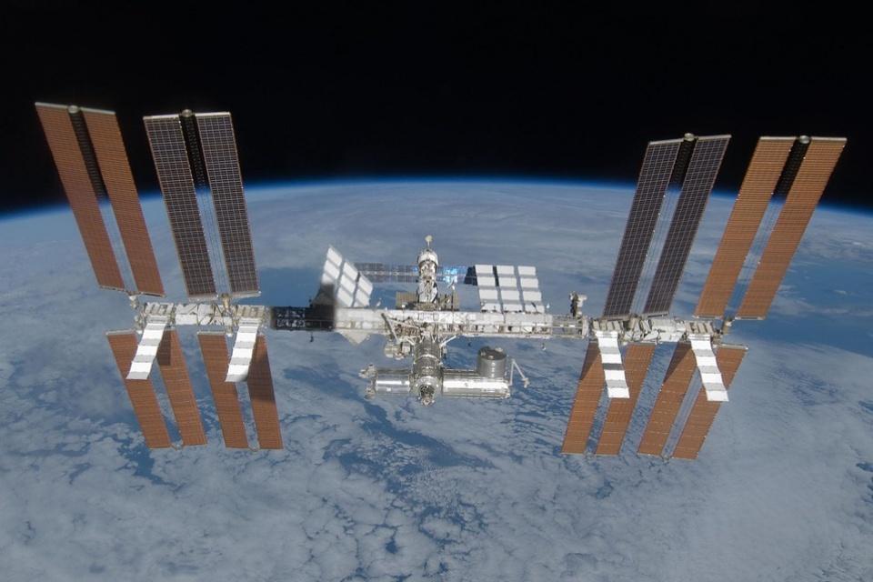 SpaceX e Axiom anunciam 4 missões privadas à Estação Espacial