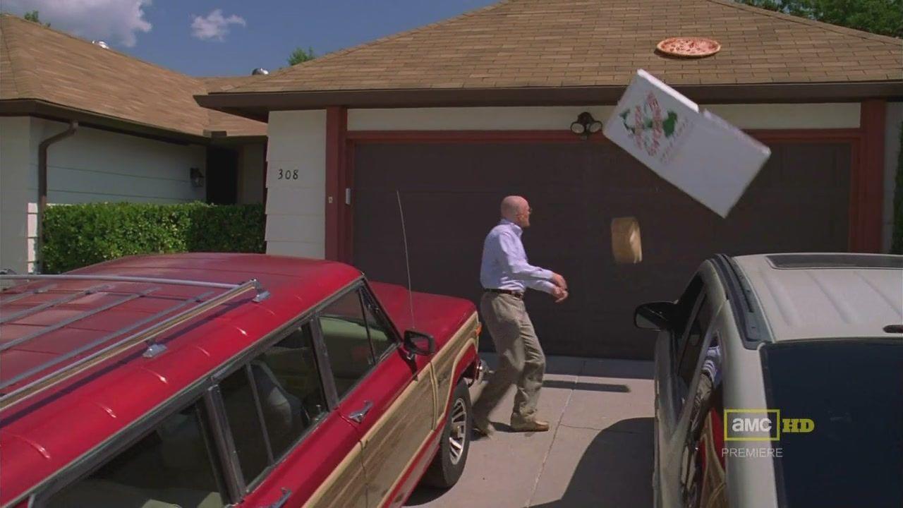 Breaking Bad: dona da casa da série cansou de pizzas no telhado