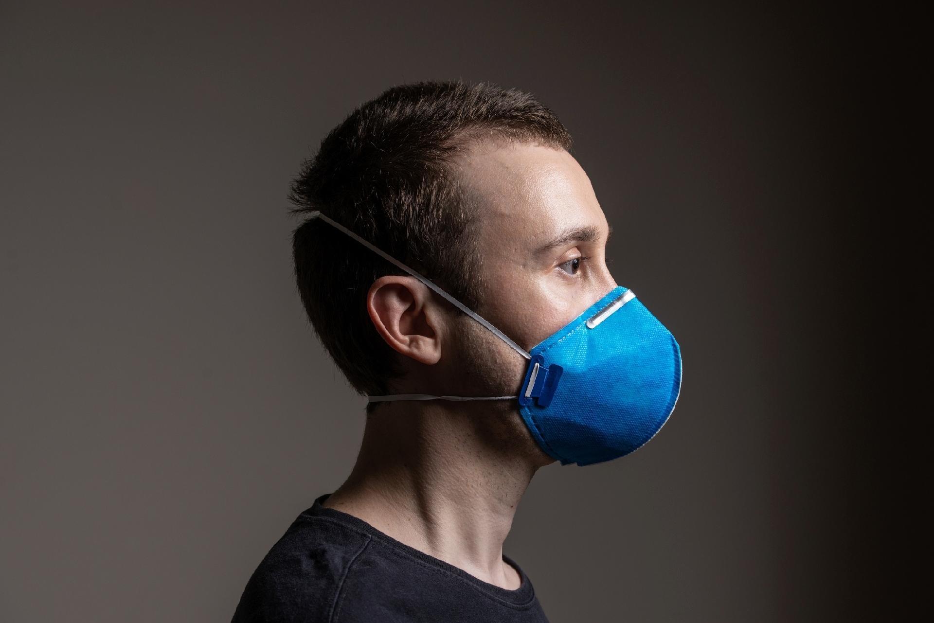 Vídeo sobre eficácia de máscara PFF2 faz sucesso na internet; veja