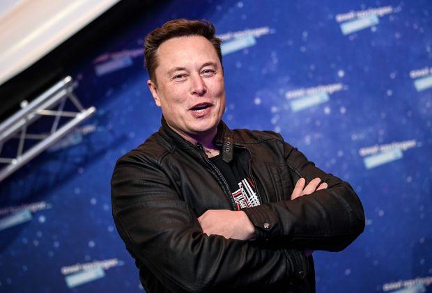 Através da SpaceX, Musk possui importantes contratos com o governo americano.