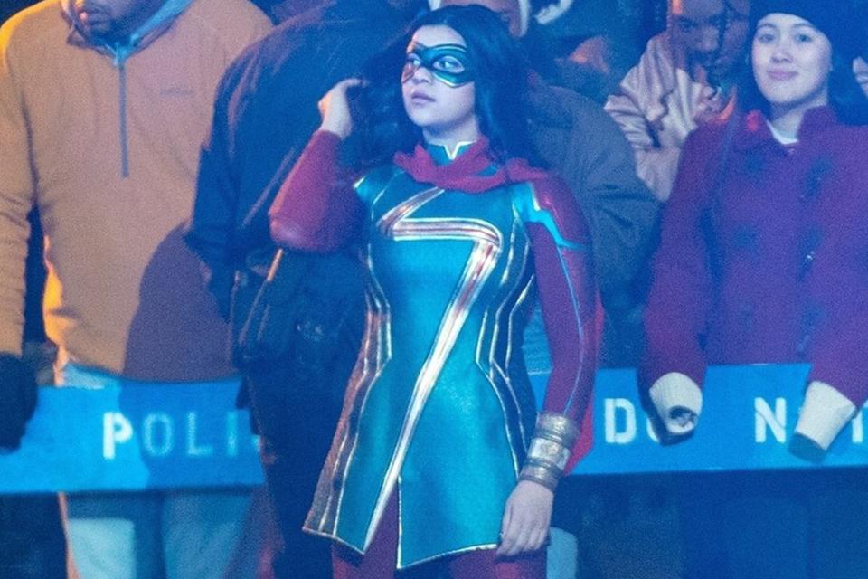 Ms. Marvel: fotos do set revelam o uniforme da heroína; confira!