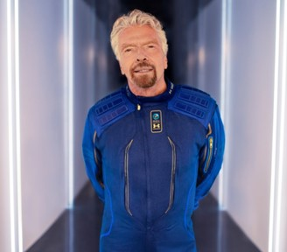 Branson no uniforme da companhia.