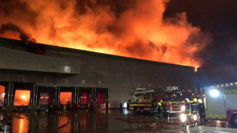 Incêndio em 2019 destruiu completamente instalações do grupo nos EUA.