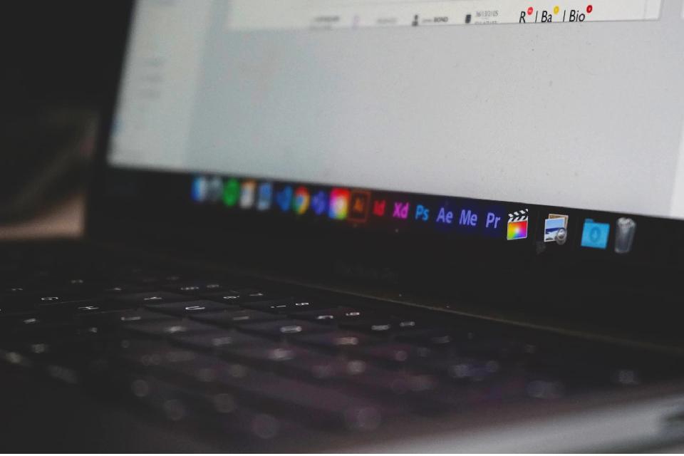 Pacote Creative Cloud com Photoshop e Premire Pro com 25% de Desconto