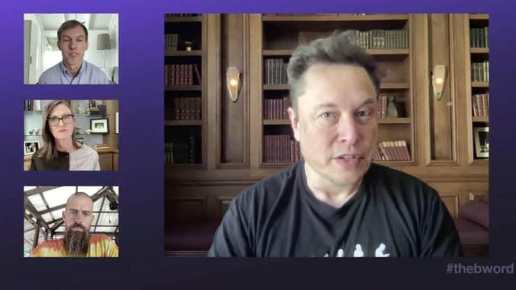 Conversa sobre mercado de criptomoedas de executivos da Tesla e Twitter provocaram valorização do Bitcoin. (Fonte: The B Word/Reprodução)