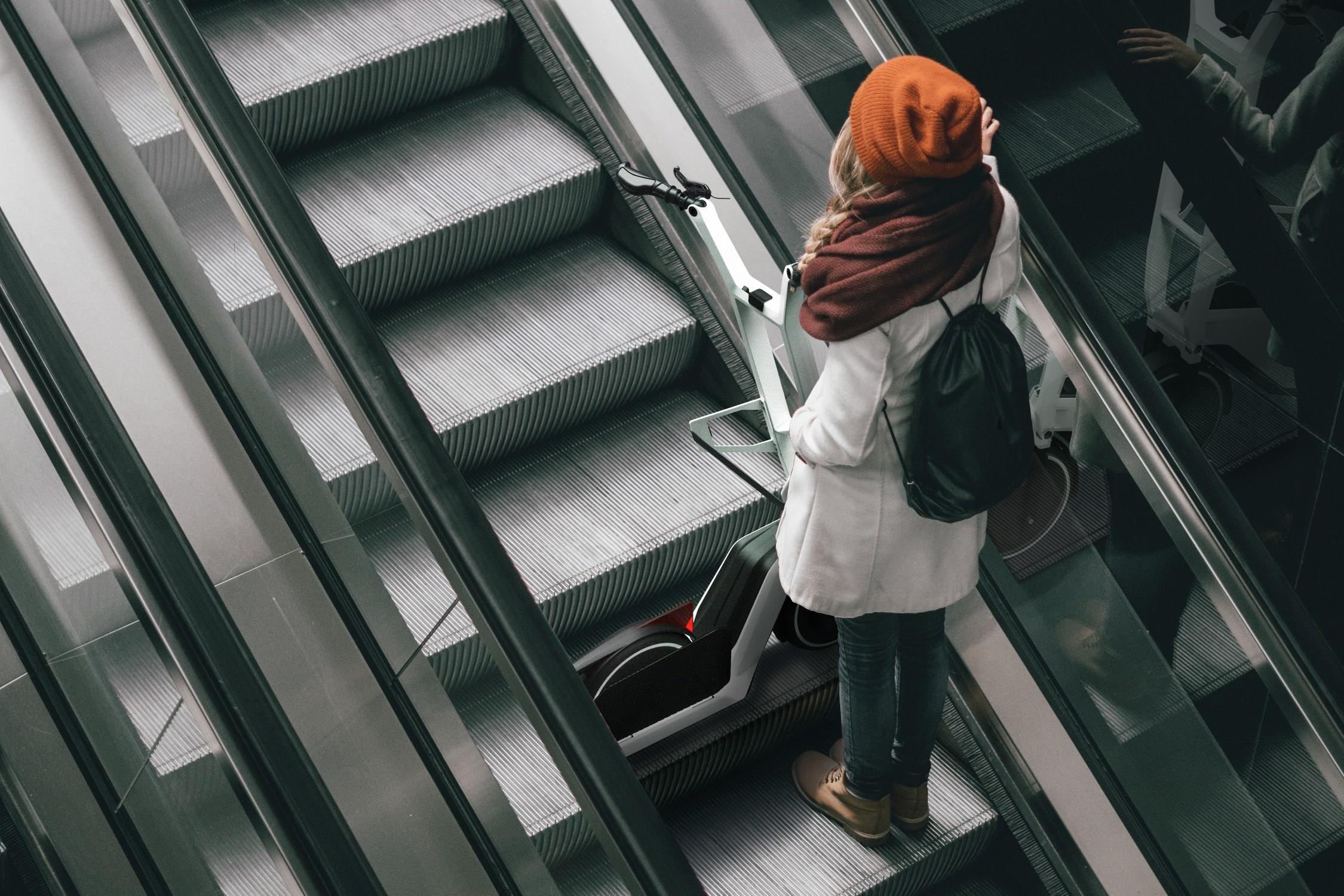 O Clever Commute pretende ser fácil de transportar em elevadores e no transporte público