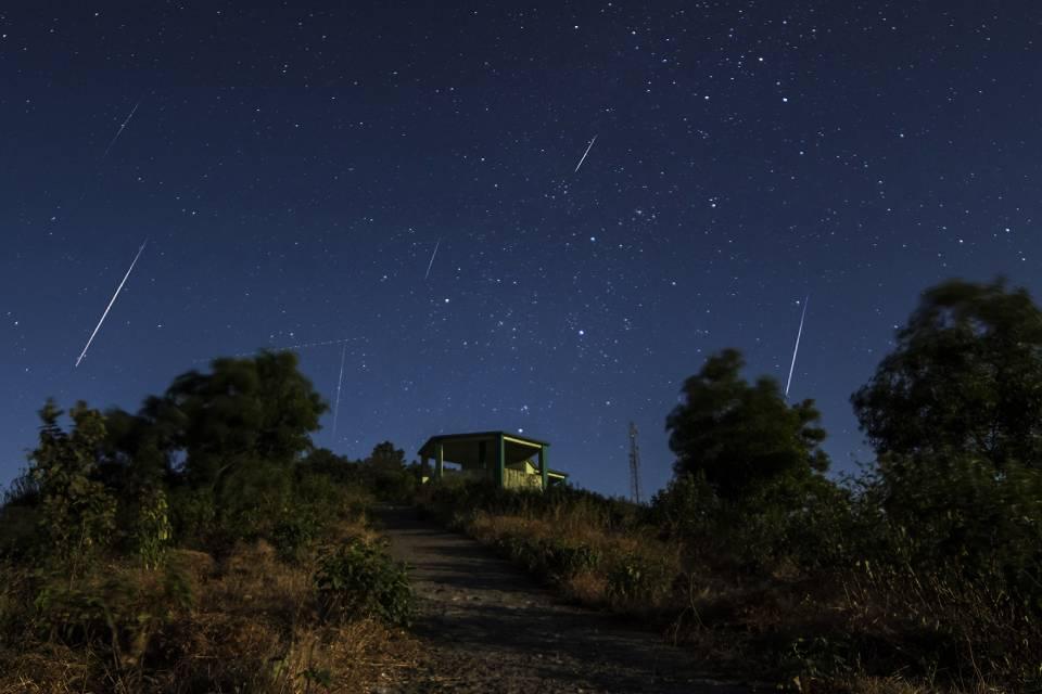 Chuvas de meteoros acontecem nesta madrugada em todo o Brasil