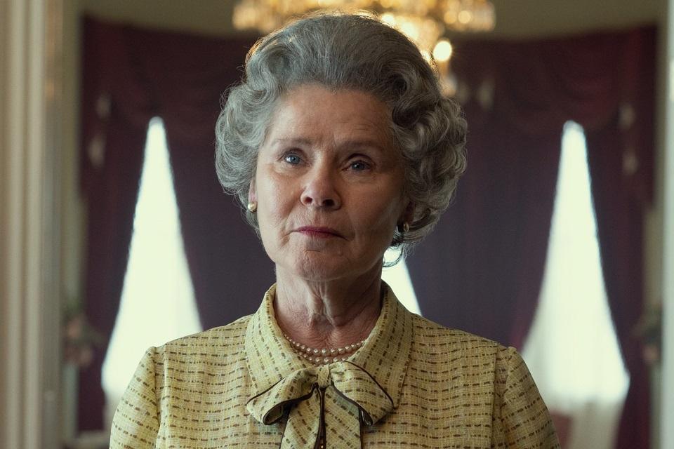 The Crown: Imelda Staunton surge como Rainha Elizabeth II; veja!