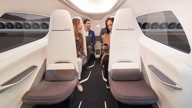A aeronave elétrica tem cabine de piloto separada e compartimento de bagagem.