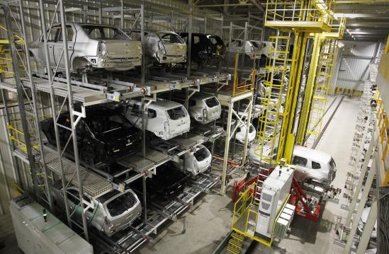 Renault para fábricas no Brasil pela terceira vez em 2021