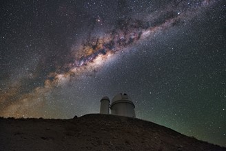 Image from the ESO telescope, 3.6 meters, with the Milky Way in the background