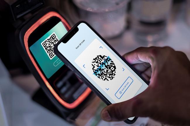 As transações serão validadas via QR Code ou app do prestador de serviço.