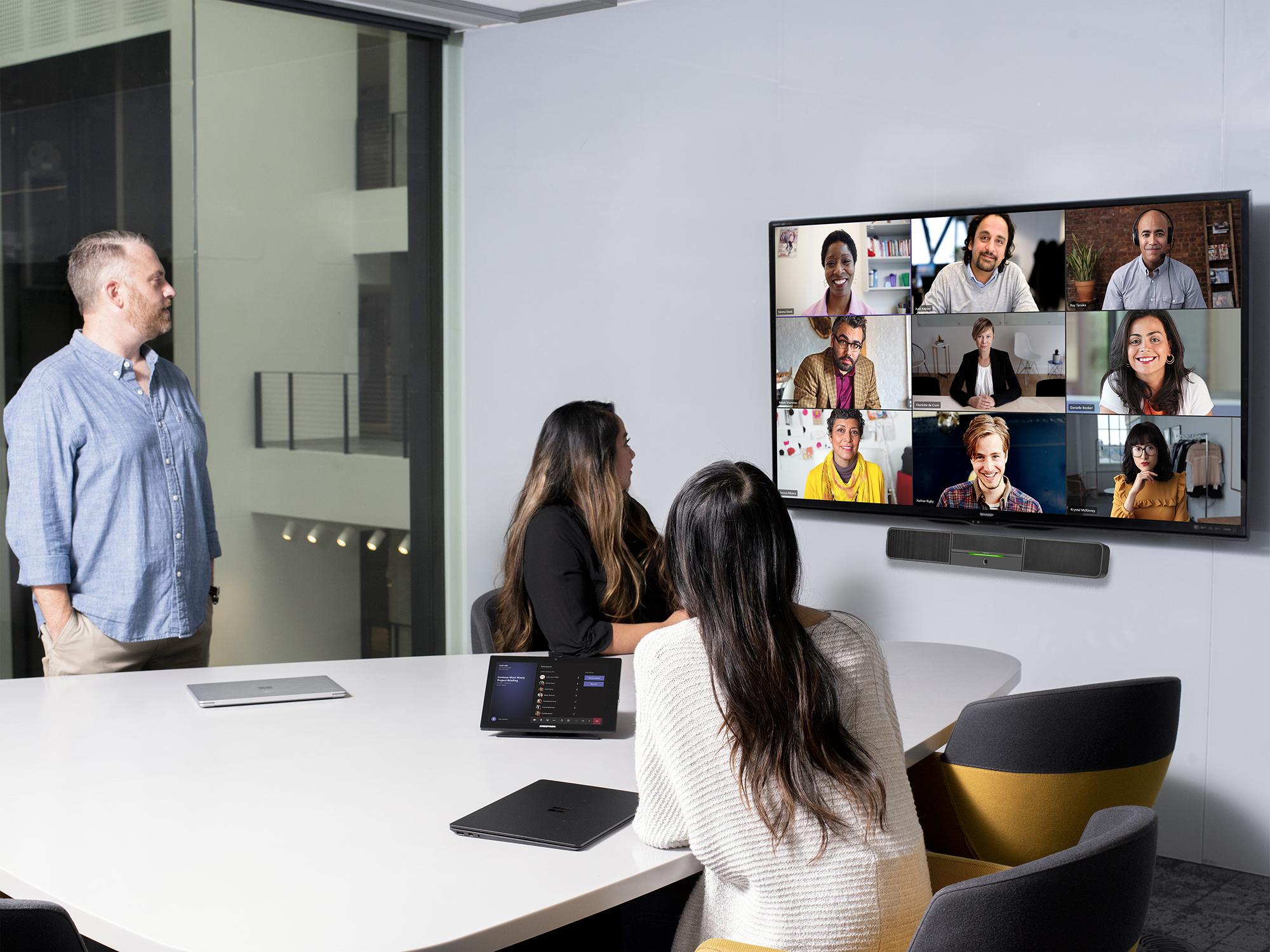 Trabalho híbrido deverá ser equilibrado entre flexibilidade de local e conexão pessoal, aponta análise da Microsoft. (Fonte: Microsoft/Reprodução)