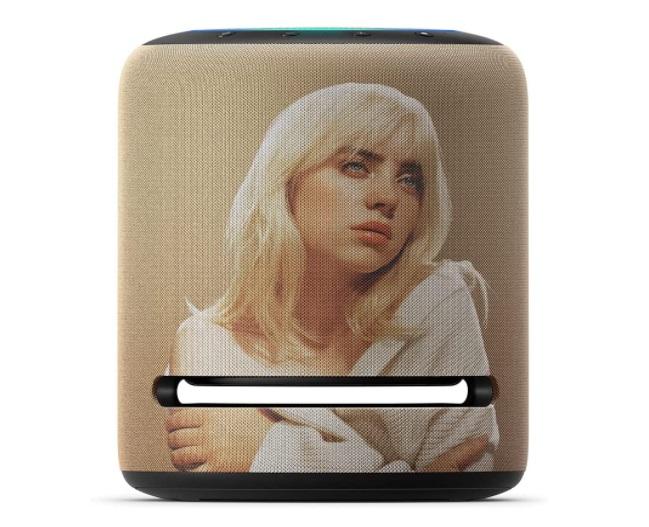 O Amazon Echo Billie Eilish Limited Edition tem as mesmas dimensões e funções do modelo convencional.