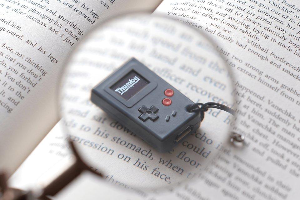 Empresa anuncia Thumby, o 'Game Boy' do tamanho de um chaveiro