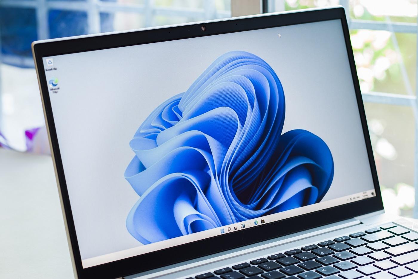 Microsoft lança Windows 11 com atualização gratuita
