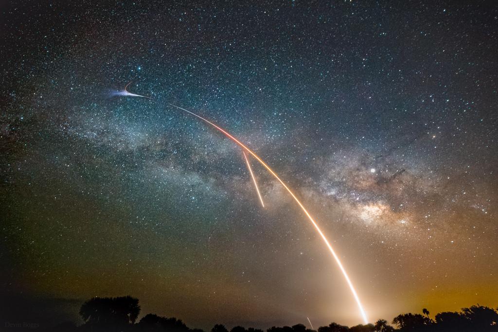 #AstroMiniBR: Como é ver um foguete do espaço?