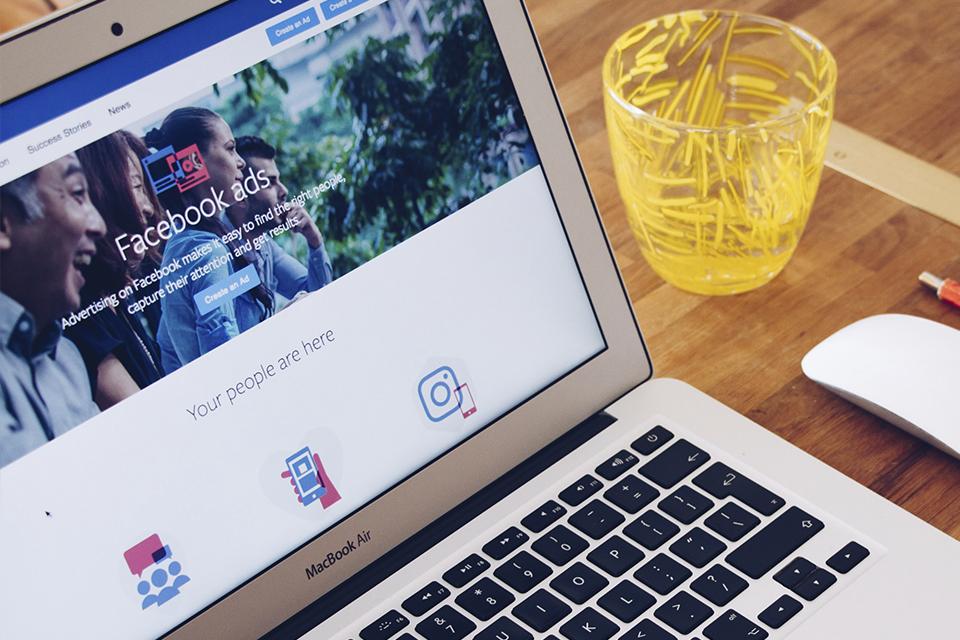 Facebook usa nova contagem de pessoas para melhorar anúncios