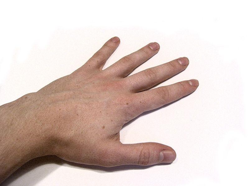Com a mão completa
