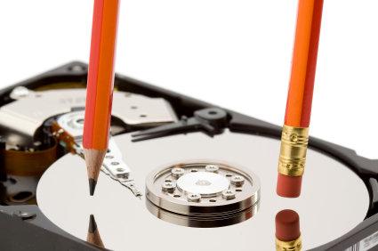 Particionar seu disco facilitar o trabalho dele na hora de encontrar, gravar e apagar coisas!